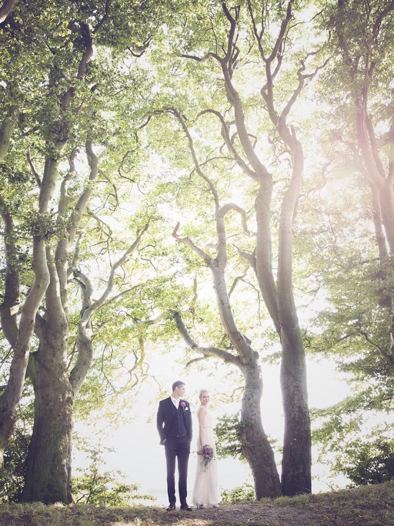 b8f59d81935d Udendørs bryllup i smukke omgivelser